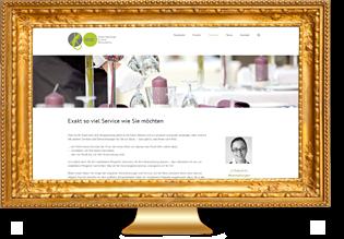 goldfarbener Bilderrahmen mit gerahmter Website auf einem PC-Monitor - Element des Sliders der Seite Referenzen